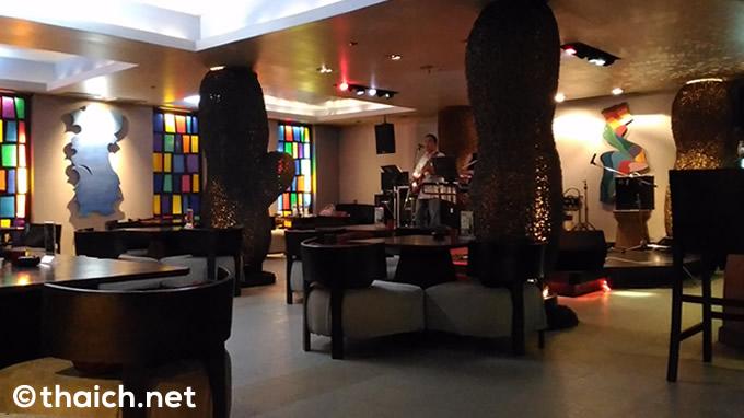 サムイ島「RED SNAPPER Restaurant」に唐辛子のカクテルが!?