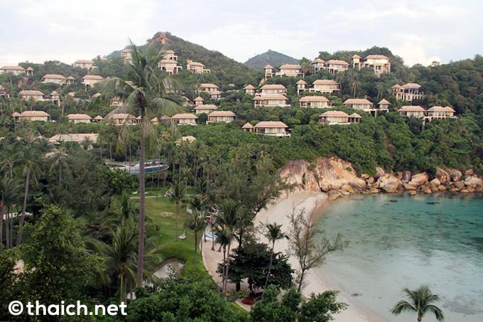丘の上のレストラン「サフロン」で海を眺めながらタイ料理ディナー@バンヤンツリー・サムイ