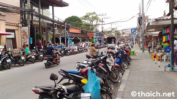 chaweng beach road 01