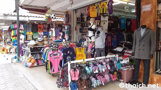 chaweng beach road 02