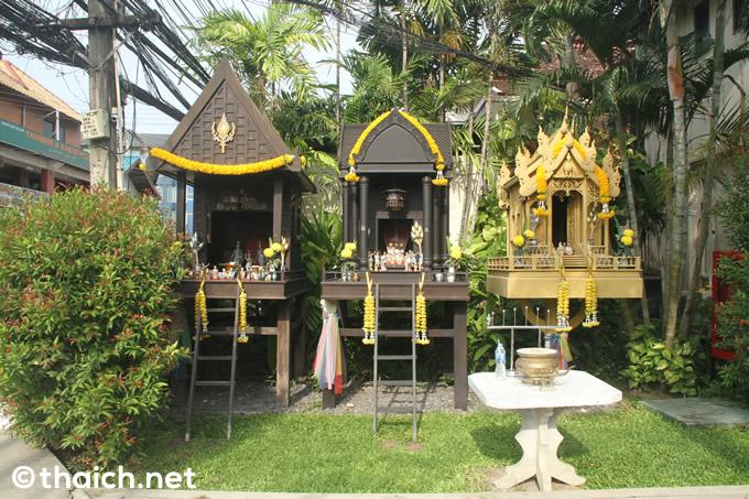 サムイ島「チャウエン リージェント」の祠