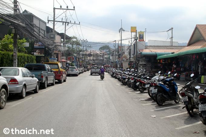 サムイ島「チャウエン リージェント」の前の道路