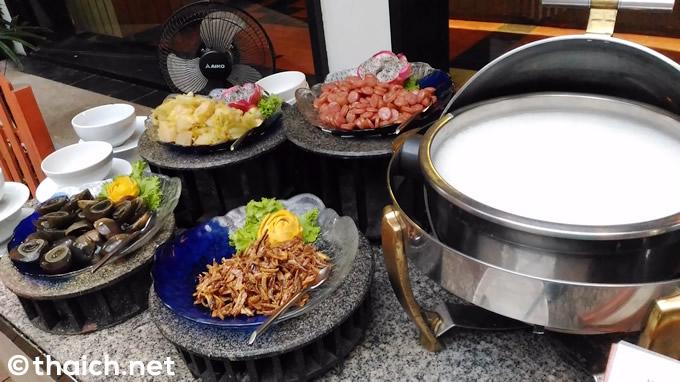 chaweng regent breakfast 15