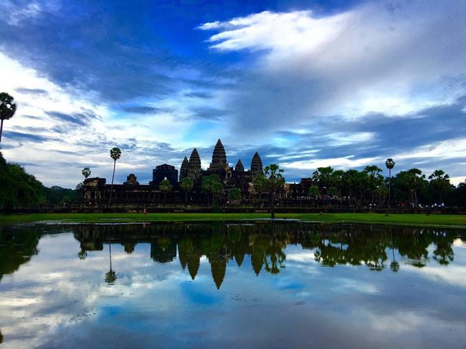 『アンコールワット遺跡群』(カンボジア)