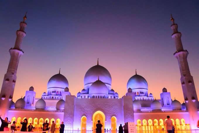 『シェイク・ザイード・グランドモスク』(アラブ首長国連邦)