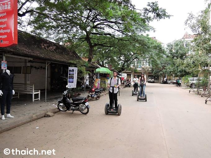 カンボジアでセグウエイに乗る!