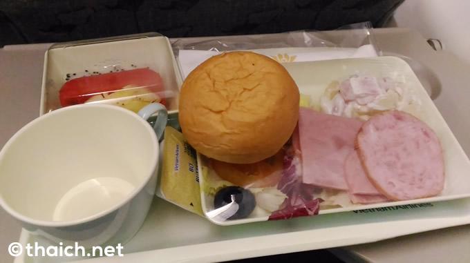 ベトナム航空 バンコク発ホーチミン行きVN602便の機内食