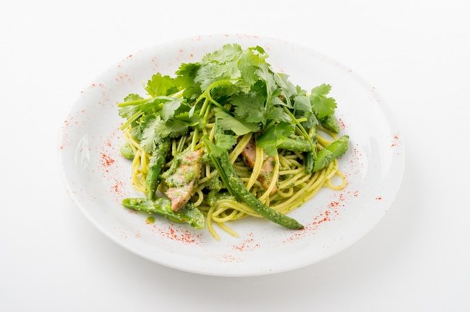 フレッシュパクチーと春野菜のジェノベーゼ 1180円(税別)