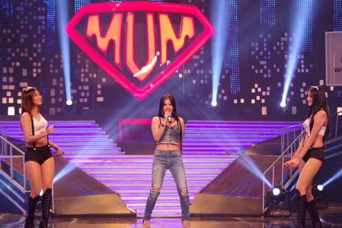 ◆タイの人気タレント、マム・ヂョクモクさん司会の人気番組「Super Mum」に出演時の様子(2017年3月7日収録)
