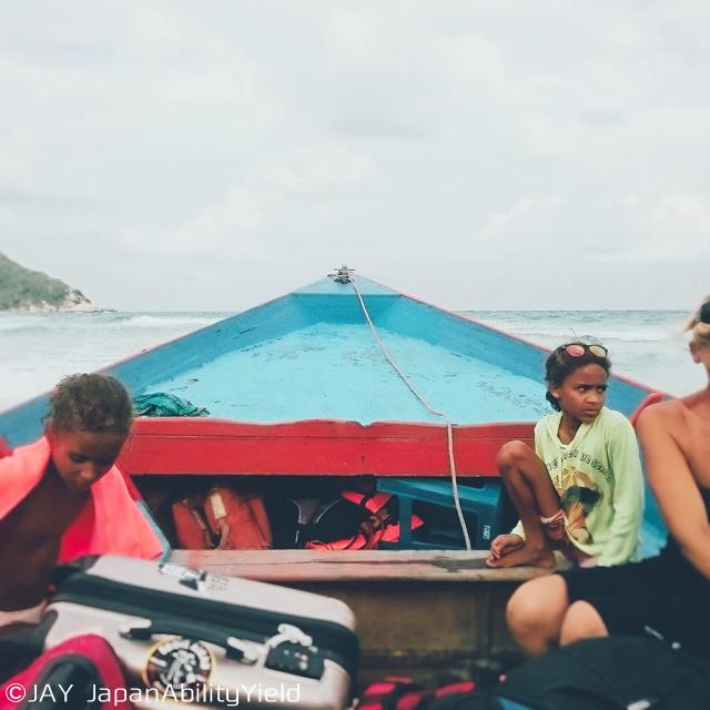 パンガン島に到着!ミニバスと船を乗り継ぎホテルへ向かう