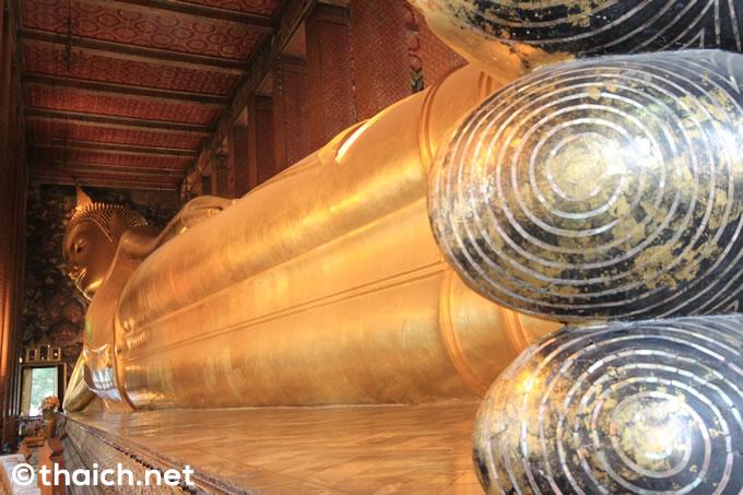 ワットポーの寝釈迦像