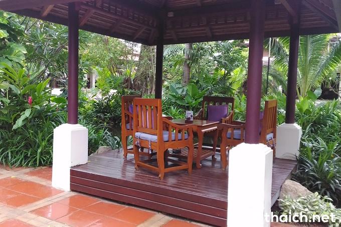 「チャウエン リージェント ビーチ リゾート」のトロピカルな庭