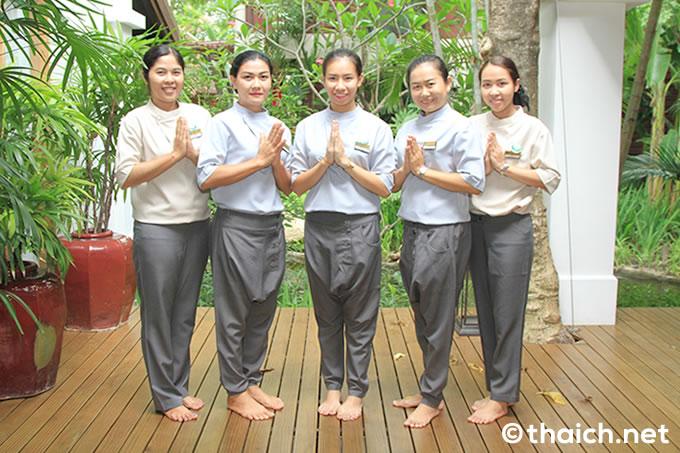 タイ文字時計が時を刻む・・・サムイ島「チャウエン リージェント」でスパ&マッサージ