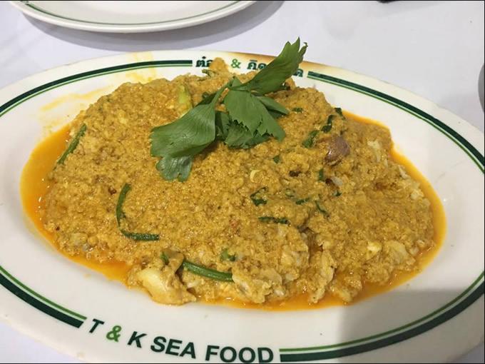 「プーパッポン(蟹肉と卵)カレー」