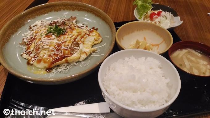 「豚ペイ焼き定食」(169バーツ)
