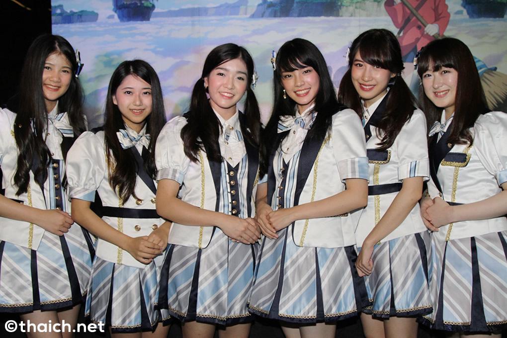 日本人メンバー2人らBNK48が「メアリと魔女の花」公開前イベントに登場