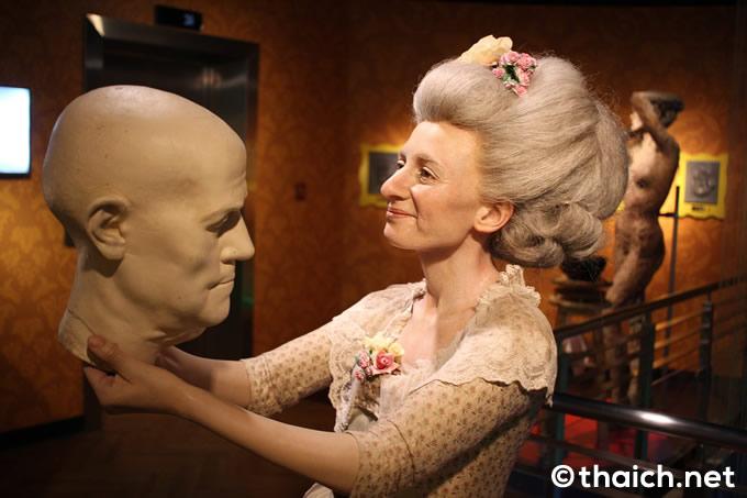 1835年にロンドンで蝋人形館を開いたタッソー夫人