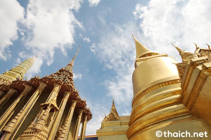 在タイ日本大使館より故プミポン前国王の火葬式に関するお知らせ