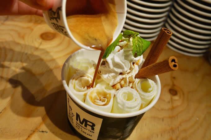 タイ発祥のロールアイス専門店「マンハッタンロール・アイスクリーム」で冬こそ食べたい新メニュー
