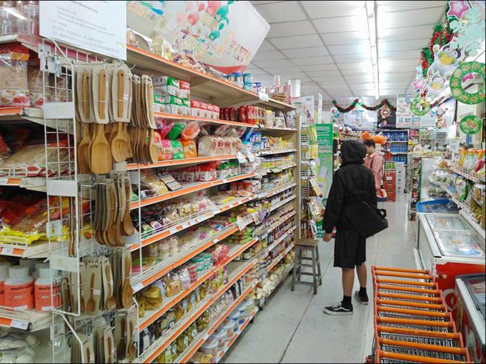 バラマキ土産はココで買え!カオサン通りの庶民派スーパー「タンフアセン」