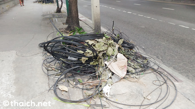 バンコク・スクンビット通りの電線がなくなっていた!