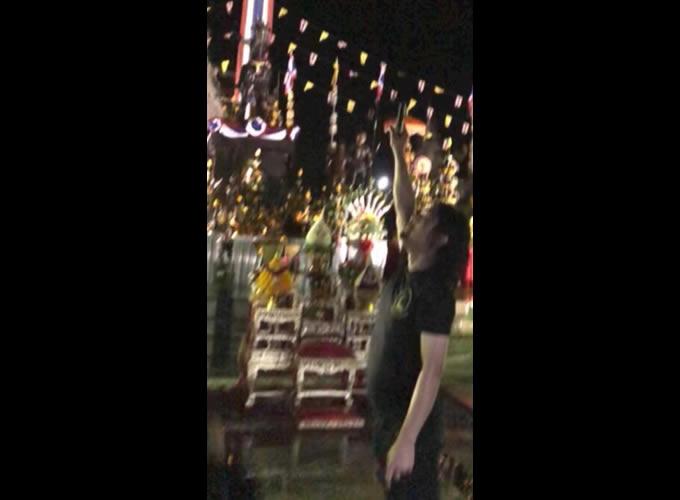 タイのスター、セーク・ローソーが空に向けて発砲で逮捕