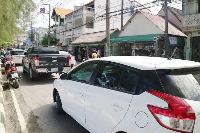 サムイ島での移動手段でレンタカーをゲット!