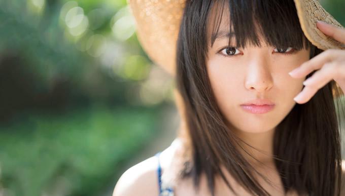 女優・大友花恋 バンコクとサメット島で撮影の写真集発売