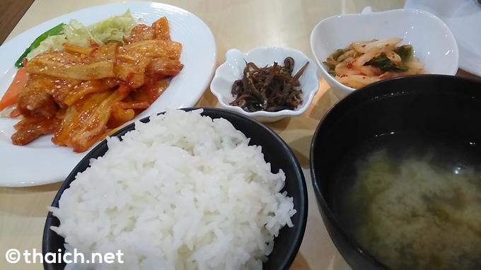 平壌OKRYUレストラン(PYONGYANG OKRYU RESTAURANT