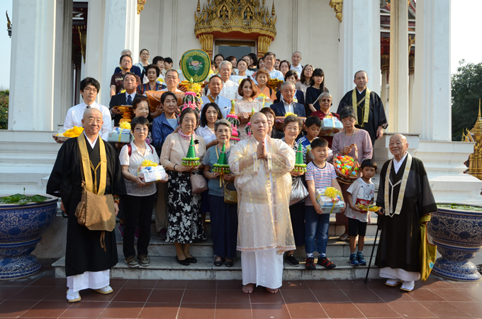 ワット・リアップ内 日本人納骨堂にて新堂守の「得度式」を開催