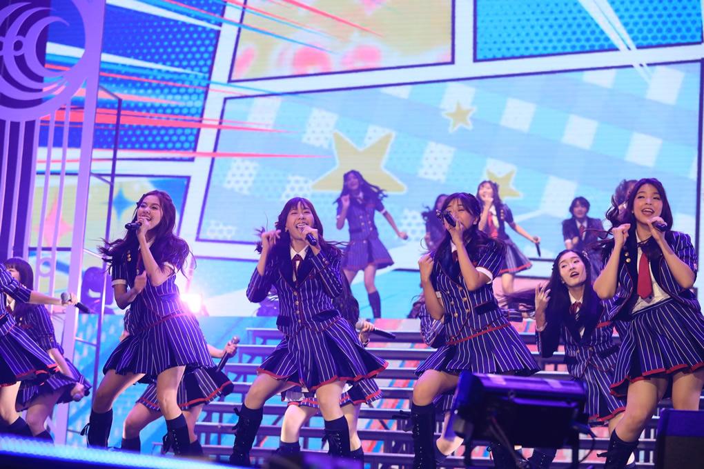 BNK48 1期生による初のコンサート「STARTO」オフィシャル写真18枚