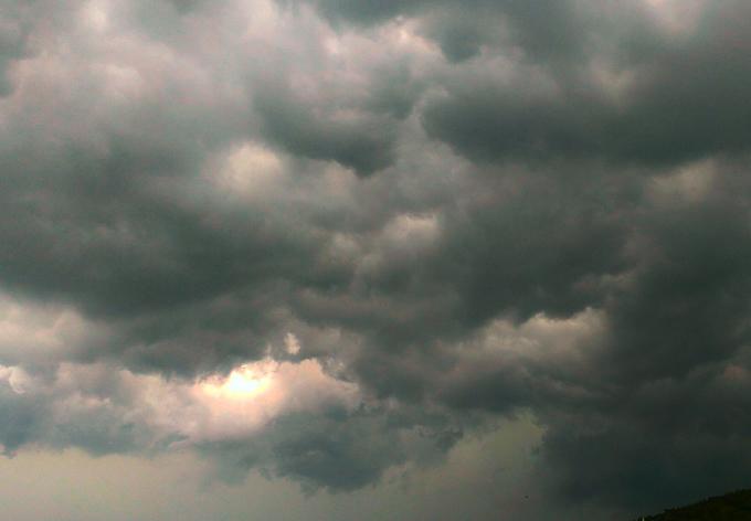 熱帯低気圧ウィパーでタイは大雨に警戒