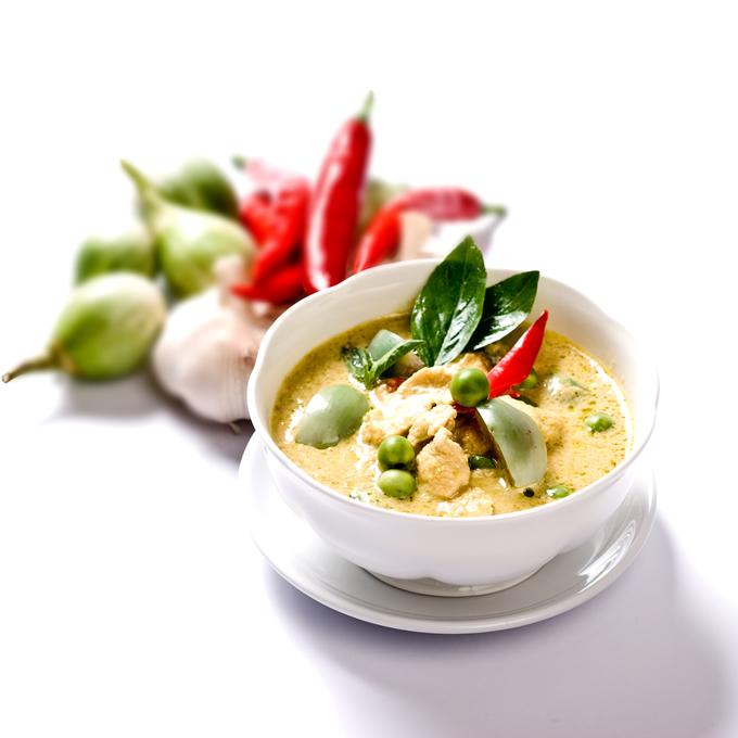 唐辛子とライムの香りが食欲をそそるタイ料理
