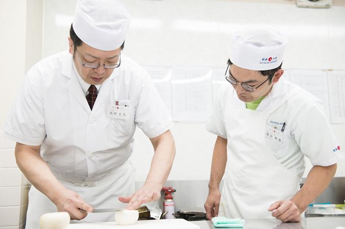 タイ・バンコクで「飲食人大学」開校決定!寿司職人を3ヶ月で養成