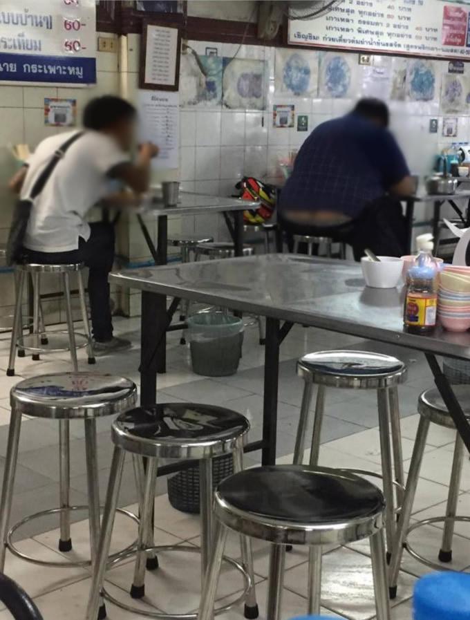顧客を盗撮して馬鹿にするSNS投稿でバンコクの人気カオマンガイ店に批判殺到