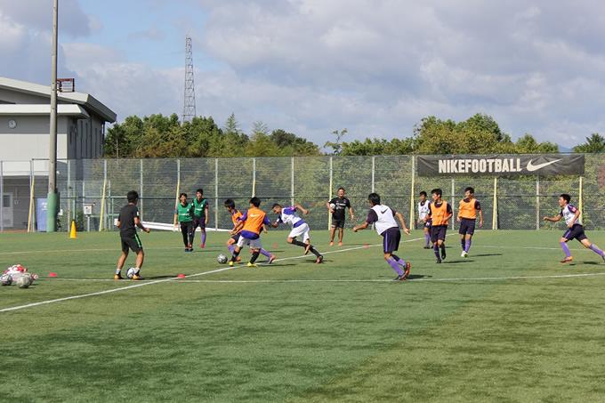 タイ人サッカー選手二人がサンフレッチェ広島アカデミー短期練習に参加