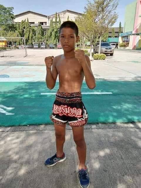 13歳のムエタイ少年ボクサー、ノックアウトされ亡くなる