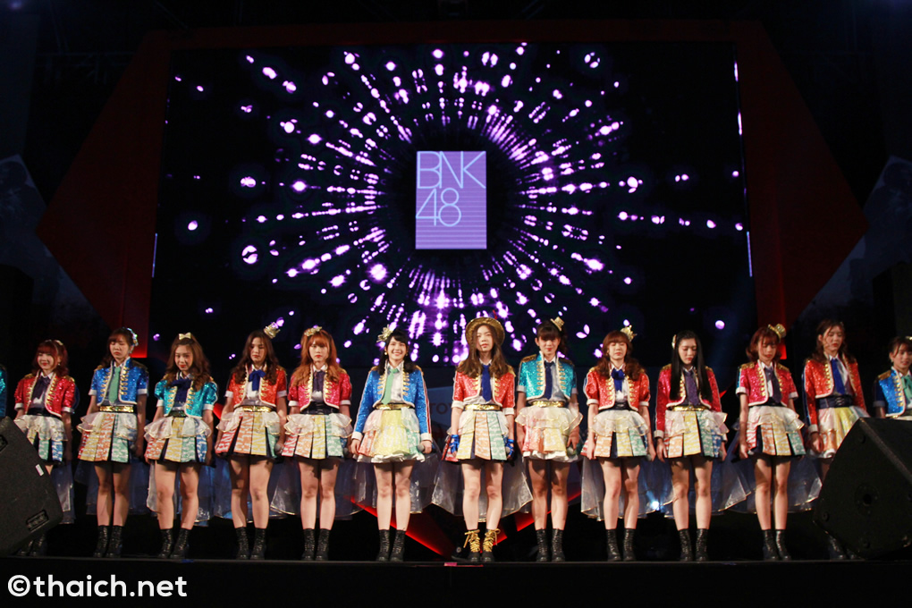 BNK48「BNKフェスティバル」を初披露![TOYOTA Master CS:GO Bangkok 2018]]