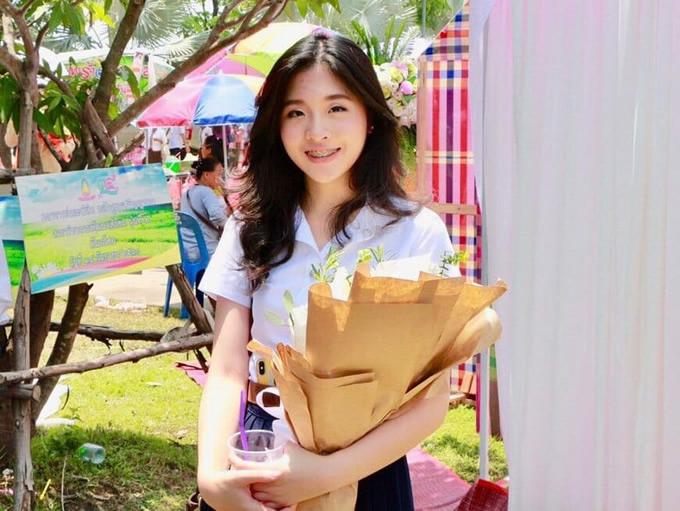 タイの有名政治家の娘「ジニー」が可愛いと話題