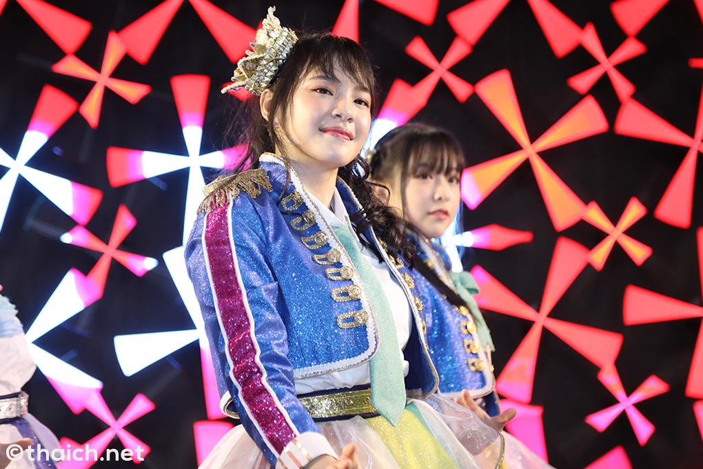 「BNK48 6thシングル 選抜総選挙」の中間開票、暫定1位はチャープラン!
