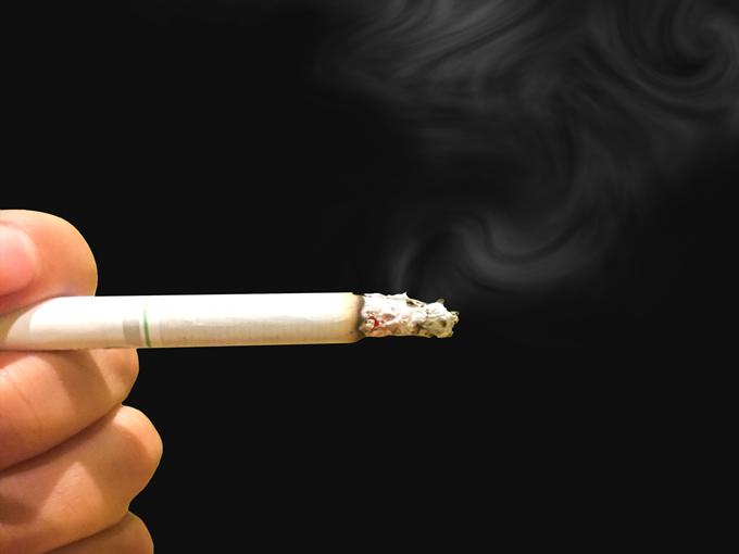 家庭内喫煙は家庭内暴力、新法が本日8月20日から施行
