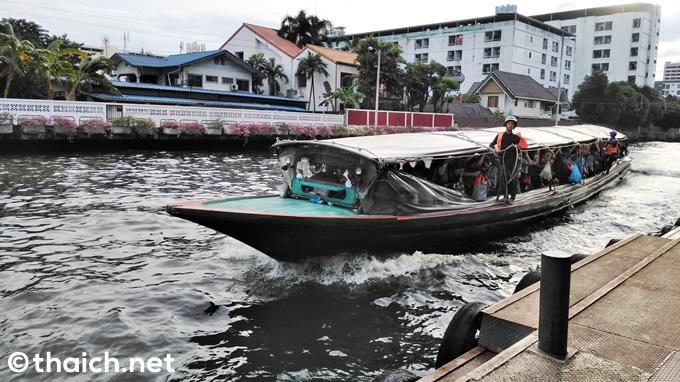 バンコクのボートバスからの転落に注意、過去には死亡した例も