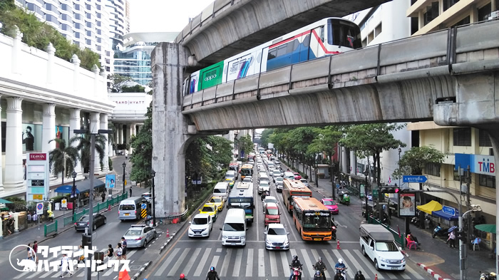 信号無視監視カメラが始動へ、バンコク周辺の交差点30箇所に設置済み