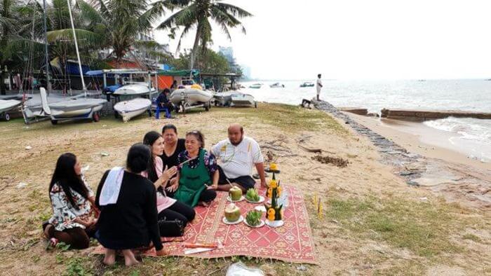 パタヤ・ジョムティエンビーチ沖で行方不明の漁師の遺体発見