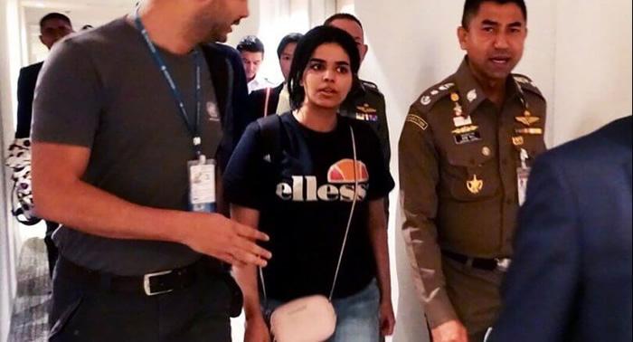 バンコク空港でのサウジ女性問題、バーレーンのサッカー選手問題にも展開