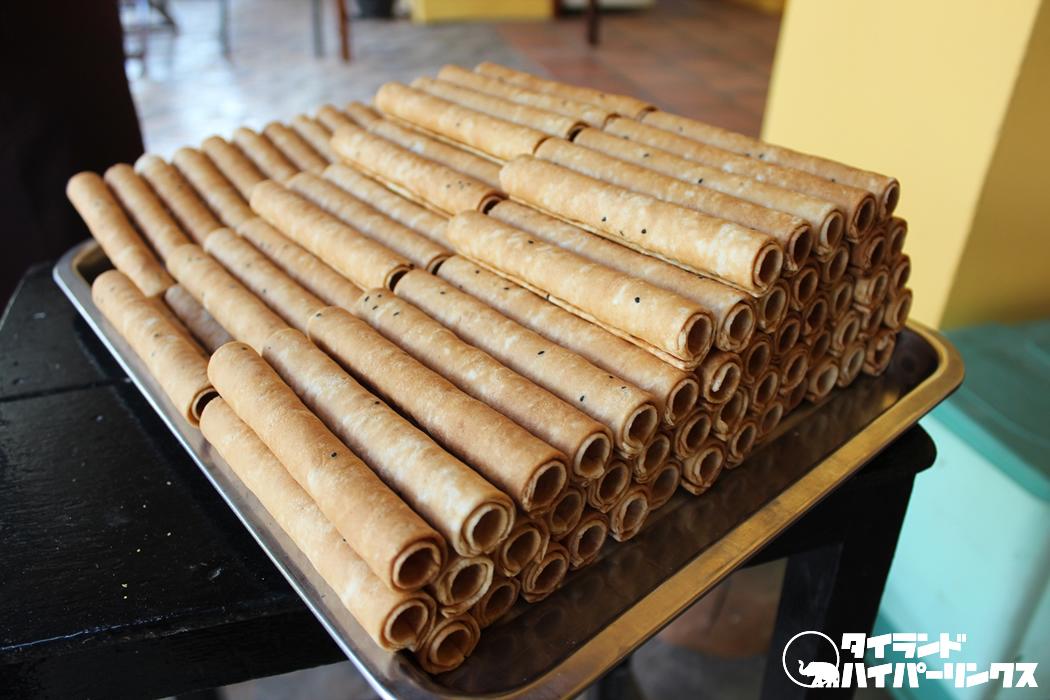 カンボジアのお土産ならコレ!伝統菓子のノム・トム・ムーン