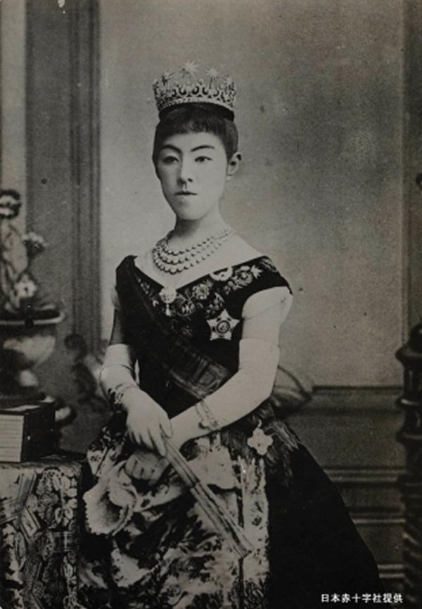昭憲皇太后(しょうけんこうたいごう)