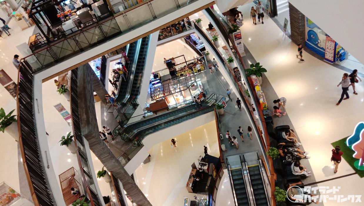 パタヤのデパート内で外国人男性が自殺か、6階から1階に吹き抜けを落下