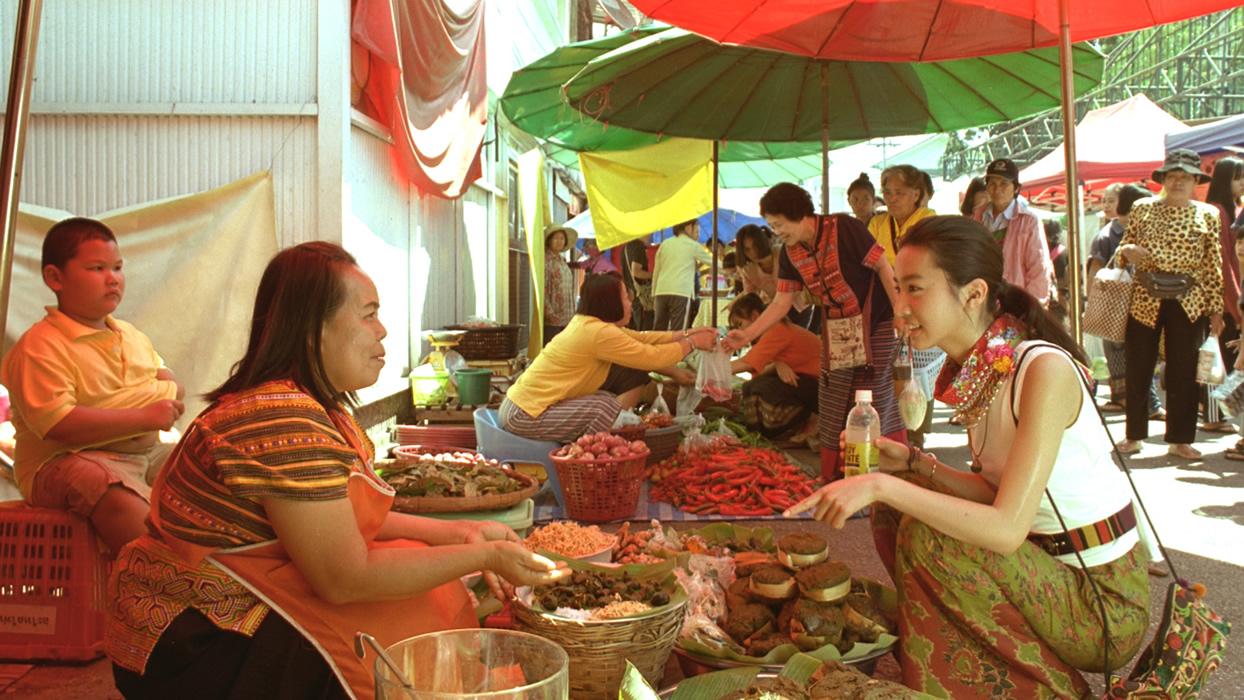 Kōki,タイの市場で現地の人と触れ合う、大塚製薬「ボディメンテ ドリンク」CMで