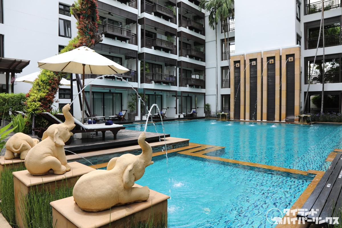 中庭のプールとフィットネス、朝夕のYOGAも~チェンマイ「ラリンジンダ ウェルネス スパ リゾート」